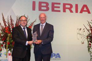 Iberia recibe el premio al «Mejor Proceso de Transformación de una Línea Aérea» en 2016