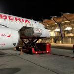 Iberia trae a España las primeras vacunas en vuelos regulares