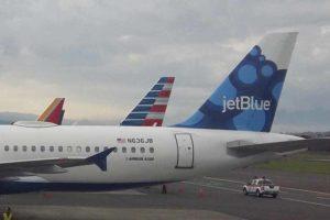 Aviones, American, JetBlue, Aeropuerto