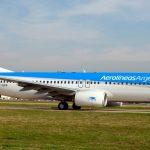 Aerolíneas Argentinas cancela todos sus vuelos del lunes por la huelga de personal