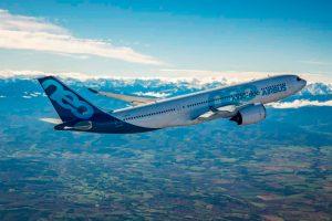 El primer A330-800 completa su primer vuelo