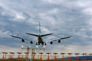 ENAIRE y NATS firman un acuerdo para mejorar la aproximación al Aeropuerto de Barcelona-El Prat