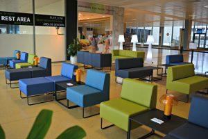 El Aeropuerto de Girona estrena una zona de trabajo y un área de descanso