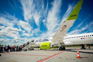 AirBaltic recibe su sexto CS300 y establece un nuevo récord mundial