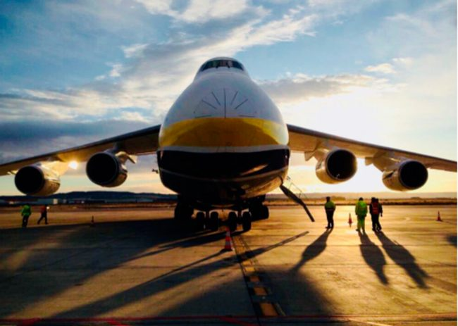 El Aeropuerto de Zaragoza recibe la visita de uno de los aviones más grandes del mundo