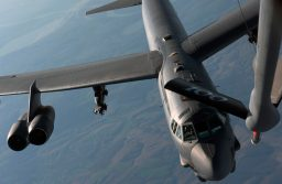 La USAF despliega bombarderos B-52 en el Comando Europeo