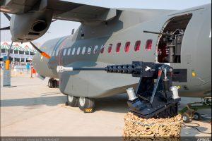 Airbus exhibe una versión del C295 dotada de armamento en el Dubai Airshow