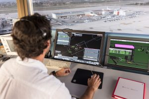 ENAIRE lanzará este jueves una convocatoria para contratar 130 controladores