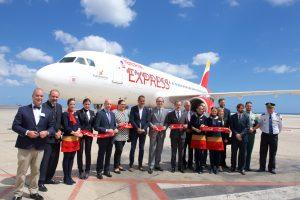 Iberia Express bautiza a uno de sus aviones con el nombre de la Isla de Fuerteventura