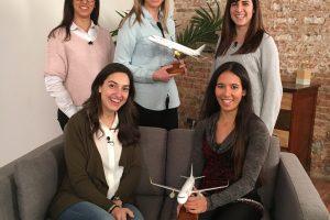 Vueling dobla el número de mujeres piloto en el último año