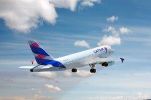 Latam Airlines busca controlar la filial brasileña