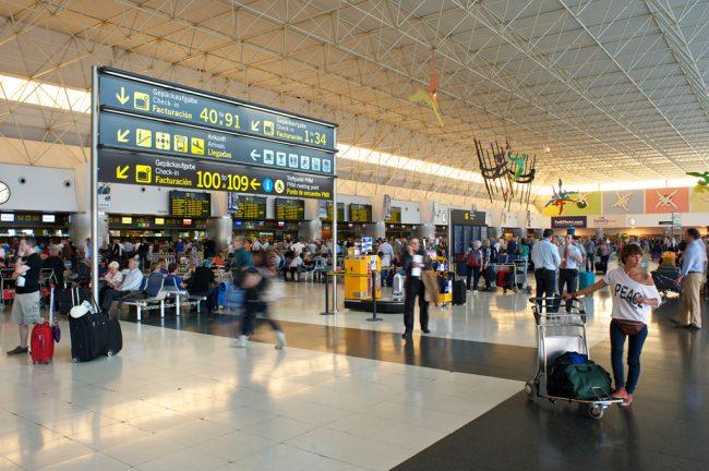 Las compañías aéreas programan más de 204 millones de asientos para la temporada de verano, un 8,7% más que el año pasado