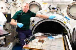 Lanzado desde la ISS el artefacto espacial RemoveDEBRIS capaz de atrapar y eliminar basura espacial