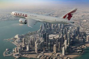 Qatar Airways firma carta de intenciones por cinco 777 cargueros