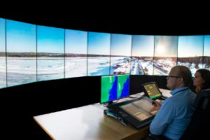 Saab entrega torres digitales al primer aeropuerto sin torre tradicional