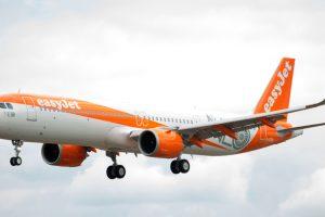 easyJet anuncia una colaboración con Cathay Pacific