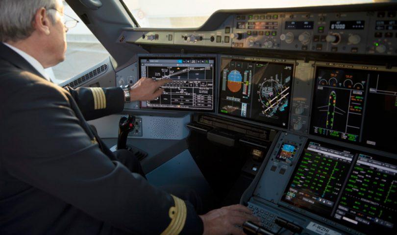 A350 con pantalla táctil para piloto