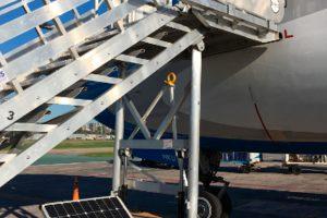 Aerolíneas Argentinas pone en funcionamiento 28  escaleras sustentables para el ascenso de los pasajeros