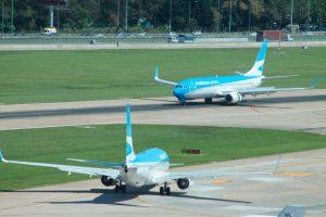 Aeroparque comienza a operar vuelos domésticos y a Uruguay