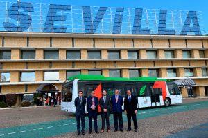 El Aeropuerto de Sevilla cuenta con el primer autobús aeroportuario eléctrico de España