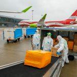 airBaltic realiza un vuelo especial para llevar mascarillas y respiradores a Letonia