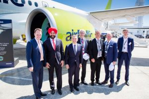 AirBaltic exhibe uno de sus CS300 en Le Bourget – Paris Air Show