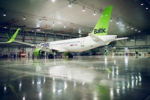 airBaltic completa 500 vuelos con el CS300