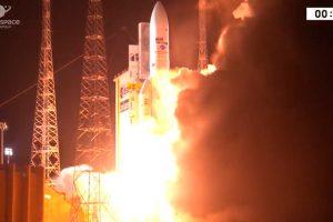 Arianespace completa los cien lanzamientos