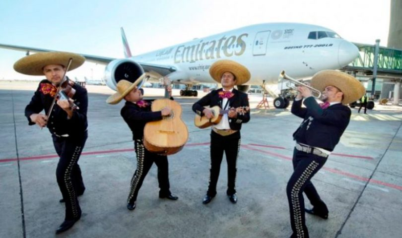 mariachis en aeropuerto