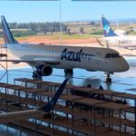 Azul convierte jets Embraer en cargueros