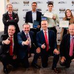 GTA, SEPLA y COPAC entregan becas a jóvenes pilotos
