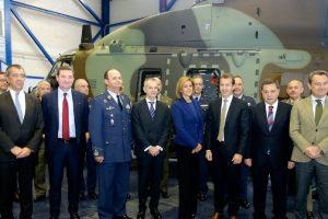 Cospedal preside la entrega de cinco helicópteros por parte de Airbus a las Fuerzas Armadas