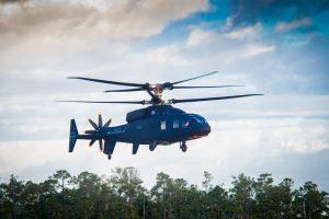 Primer vuelo del helicóptero SB> 1 DEFIANT