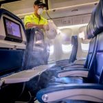 Delta bloqueará la selección de los asientos del medio hasta septiembre