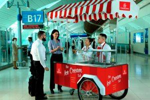 Emirates ofrece helados gratuitos en el aeropuerto de Dubái