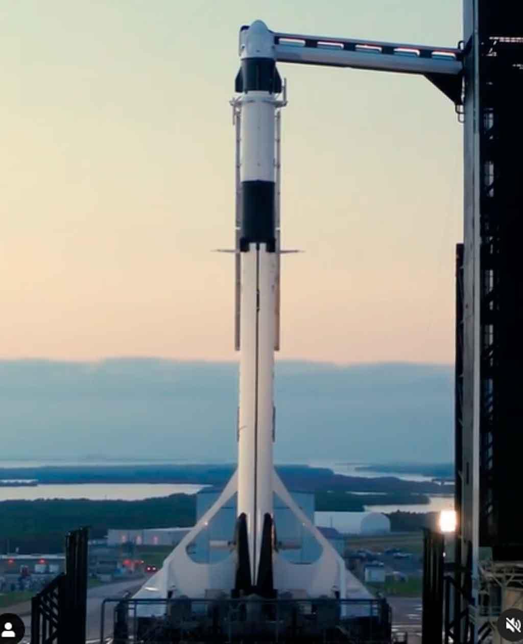 Falcon 9, Crew Dragon