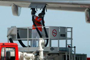 Aena licita los servicios de asistencia en tierra de combustible a terceros en 20 aeropuertos de la red