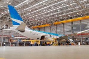 En medio del conflicto Aerolíneas Argentinas convoca un diálogo con los gremios