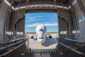 Airbus inaugura en Getafe un nuevo hangar de carga para el Beluga
