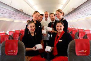Los pasajeros de Iberia Express celebran el Día Mundial de la Tapa en las nubes