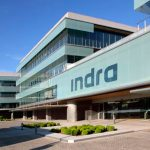 Indra invita a mujeres universitarias a proponer ideas para mejorar la sociedad mediante la tecnología