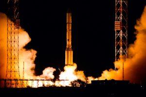 El Amazonas 5 llega a su posición orbital y entra en servicio