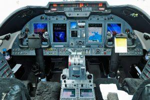 cockpit del Learjet 60
