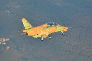 El primer M-345 de producción realiza su vuelo inaugural