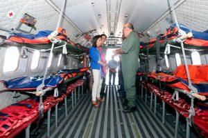 La ministra de Defensa visita la Base Aérea de Getafe