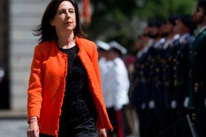 Margarita Robles toma posesión como ministra de Defensa