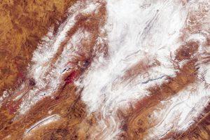 La misión Sentinel-2 de Copernicus captura raras nevadas en el desierto del Sáhara