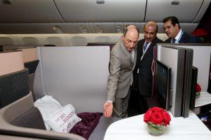 Qatar presenta el primer avión con la nueva Qsuite