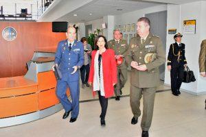 Robles visita el Centro de Monitorización de Seguridad de Galileo
