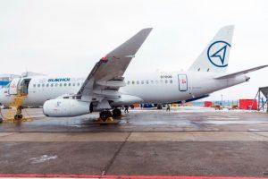 """Primer vuelo de prueba del SSJ100 con """"Saberlets"""""""
